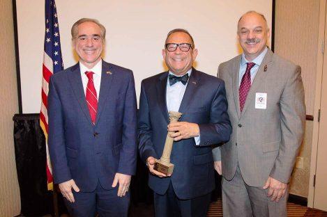 USDVA - Dr. Imbasciani and Secretary Shulkin 2