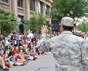 Thanking troops