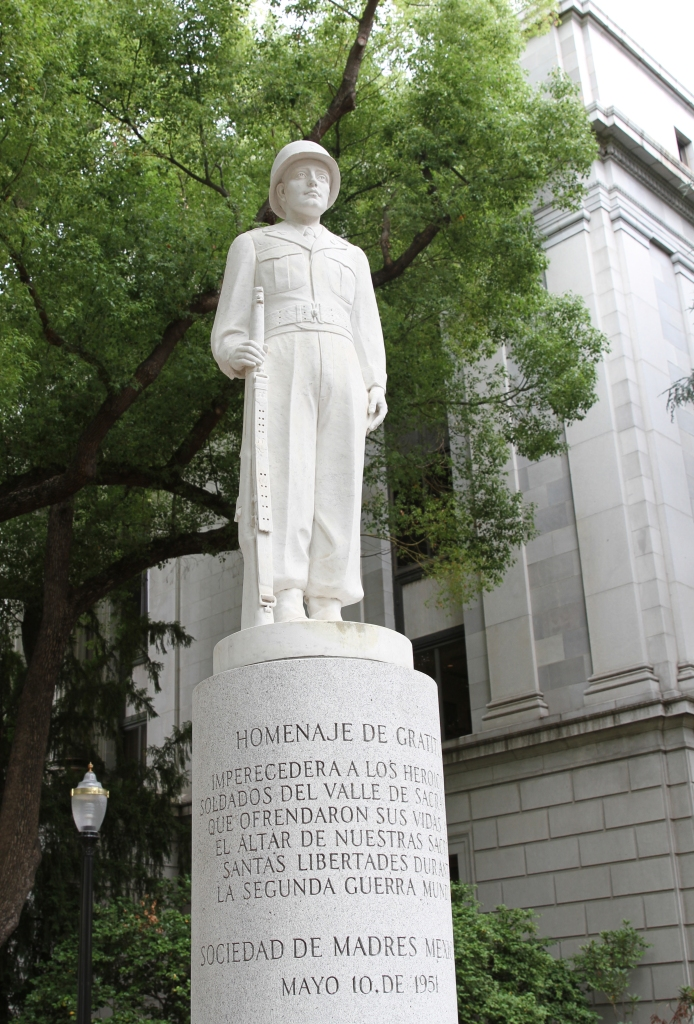 A photo of the monument in downtown Sacramento.