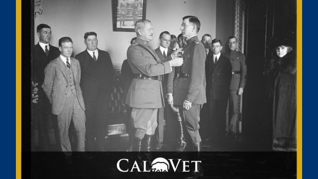 General John Pershing pins the Distinguished Service Cross medal on 1LT George Abramson in 1922. Image courtesy of the Library of Congress.