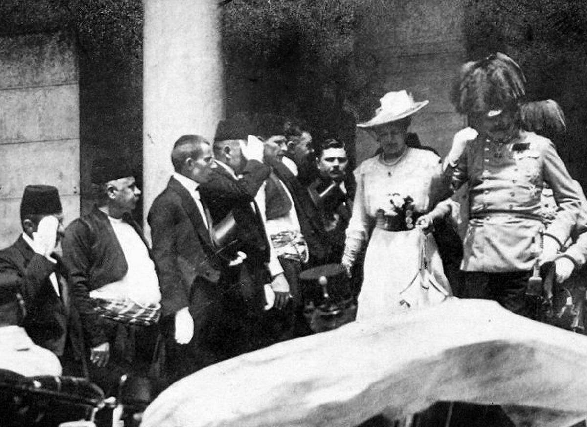 Archduke Ferdinand and Sophie visit Sarajevo.